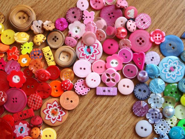 Boutons-multicolors-ocomptoirdespassions-villemursurtarn-Frou-Frou