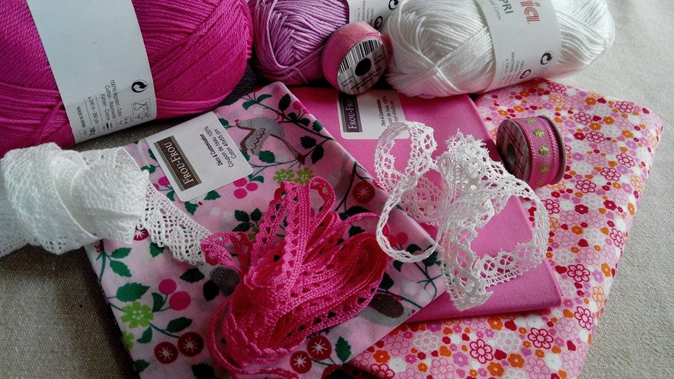 ocomptoirdespassions-villemursurtarn-coupon-dentelle-rose-frou-frou